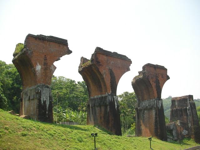 苗栗 龍騰斷橋~殘缺的美