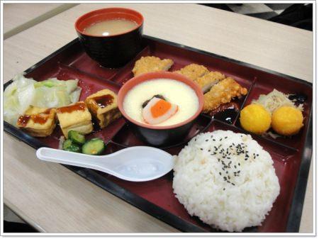 營養平價的日式料理~村吉日式定食(新光三越站前店美食街)