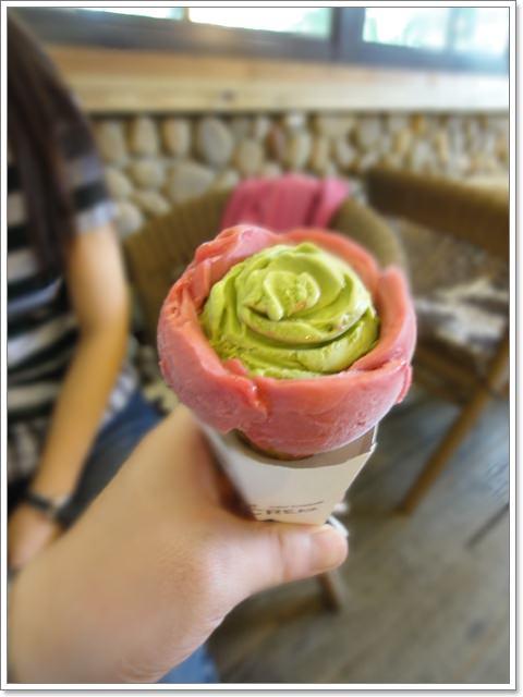 Bigtom美國冰淇淋文化館 玫瑰甜筒~一朵花在冰淇淋中綻放
