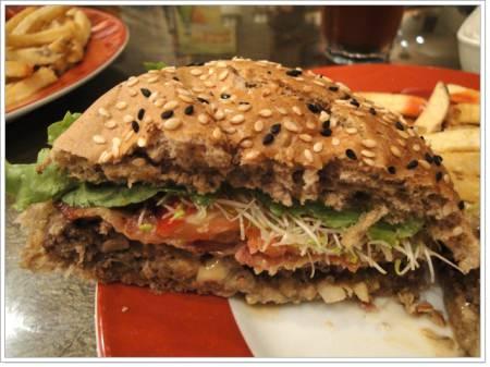 台北公館 BONGOS美式餐廳~享受多汁漢堡肉
