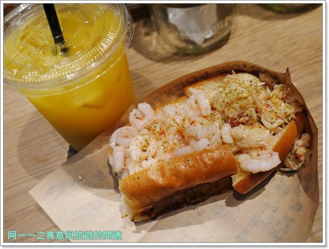 大阪心齋橋美食.世界第二好吃的現烤冰淇淋菠蘿麵包.龍蝦三明治image002