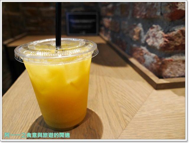 大阪心齋橋美食.世界第二好吃的現烤冰淇淋菠蘿麵包.龍蝦三明治image014
