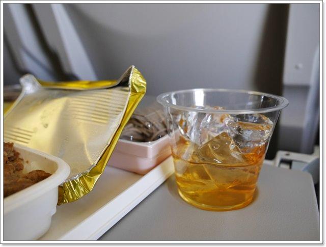 日本關西空港自助旅遊桃園機場第二航廈日航飛機餐image046