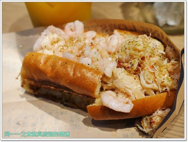 大阪心齋橋美食.世界第二好吃的現烤冰淇淋菠蘿麵包.龍蝦三明治image016