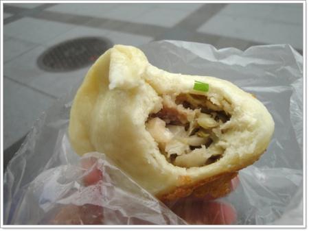 台北公館 劉家水煎包~鮮脆高麗菜內餡