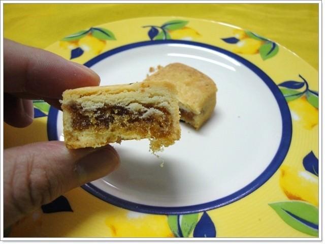 [試吃]彰化卦山燒 土鳳梨酥~有一條條纖維的酸甜味道