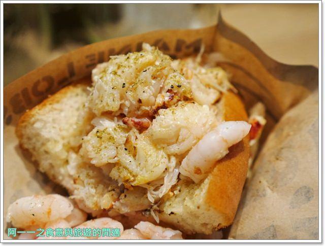 大阪心齋橋美食.世界第二好吃的現烤冰淇淋菠蘿麵包.龍蝦三明治image019